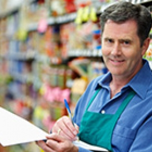 grocer with clipboard